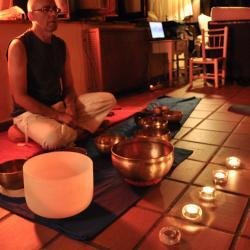 Meditación y Cuencos al anochecer